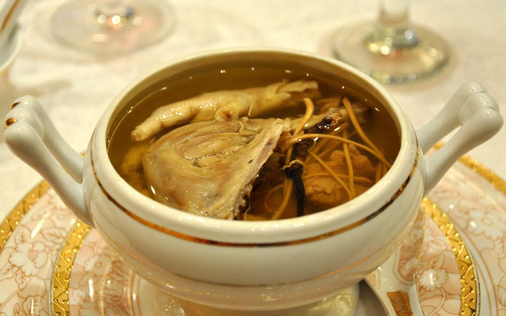 Món Ăn Thuốc Dùng Nấm Đông Trùng Hạ Thảo